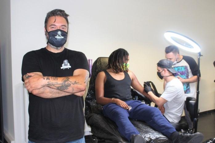 """Tattooshop Rebels & Rustlers haalt internationaal talent naar Dijlestad: """"Wat deze artiesten kunnen, is fenomenaal"""""""