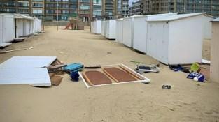 Storm Francis slaat toe aan kust: strandcabines beschadigd, meer dan honderd oproepen bij brandweer
