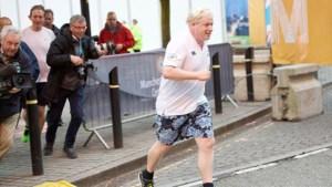 Britse premier Boris Johnson wil met hulp van met personal trainer kilo's verliezen
