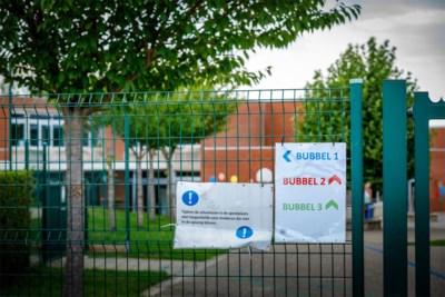 Eerste school moet al dicht door twee besmette leerkrachten: dreigen er nog te volgen door te nauwe contacten tussen collega's?