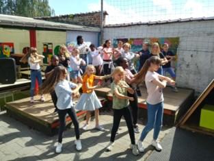 Leerlingen GO! basisscholen dansen het nieuwe schooljaar in