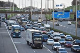 Stevige hinder op Brusselse Buitenring door twee ongevallen: ruim twee uur aanschuiven