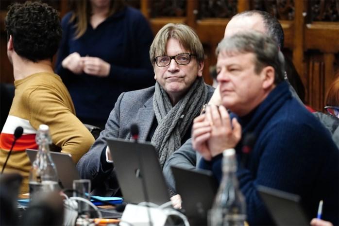 """Guy Verhofstadt verdwijnt dan toch uit Gentse gemeenteraad: """"Te drukke agenda"""""""