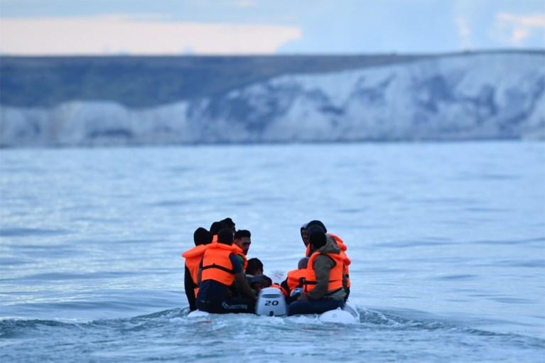 Meer dan 400 migranten steken in één dag Kanaal over naar VK