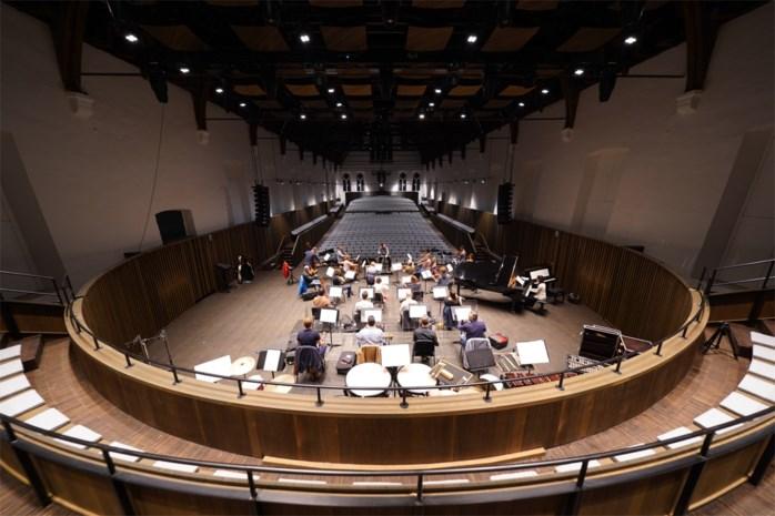 Van 800 jaar oude ziekenzaal tot akoestische parel: concertzaal na een jaar verbouwingen weer geopend