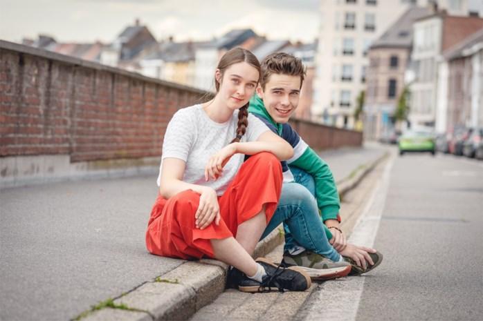 """Emma en Warre, de echte broer en zus uit 'Undercover 2': """"Ook wij zitten vanaf vanavond op het puntje van onze stoel"""""""