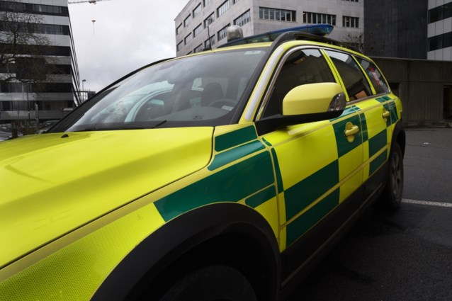 Jonge vrouw kritiek na botsing met vrachtwagen op E17