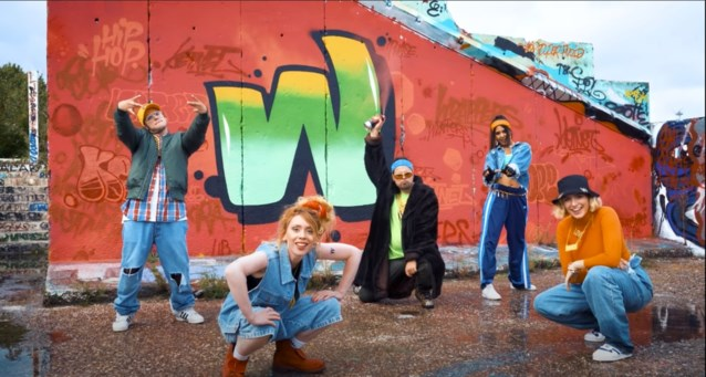 Ketnetwrappers maken rapnummer over… zichzelf