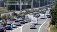 File op E40 na ongeval in Drongen en uitgebrande vrachtwagen in Zwijnaarde