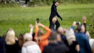 Tom Cruise hervat opnames 'Mission: impossible' en is niet van plan opnieuw te stoppen, al kost het hem twee schepen