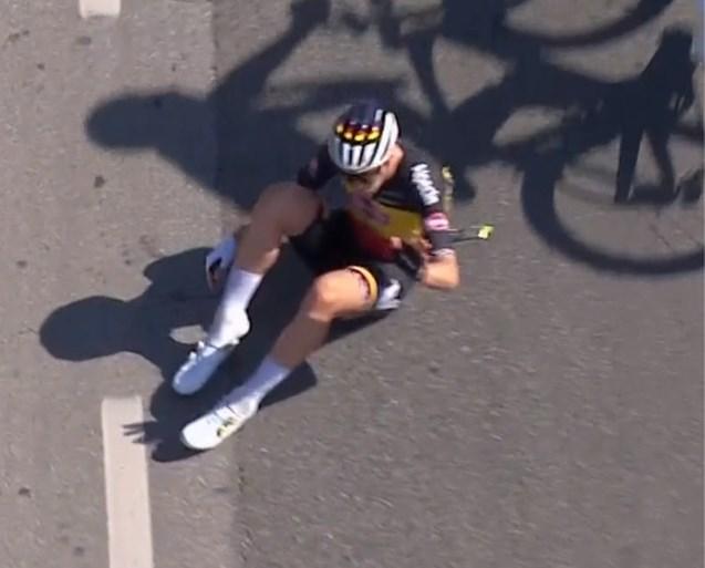 "Ackermann wint openingsrit Tirreno-Adriatico, Tim Merlier komt ten val: ""Ik heb geen idee hoe het is gebeurd"""
