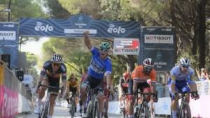 Tweede rit Tirreno-Adriatico eindigt weer in massasprint, tweede zege voor Pascal Ackermann
