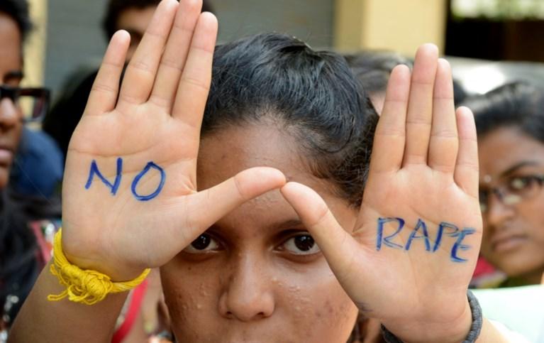 """India in rep en roer door verkrachting van 86-jarige grootmoeder: """"Ze huilde en schreeuwde, maar hij ging genadeloos door"""""""