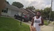 Zwarte jogger wordt ter controle tegengehouden door politie, en krijgt dan een job aangeboden