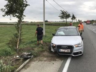 Drie gewonden na ruzie in auto: wagen rijdt tegen voorligger en gaat over de kop