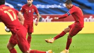 Cristiano Ronaldo bereikt nieuwe mijlpaal dankzij twee fantastische doelpunten en krijgt veel lof van voormalige vedetten