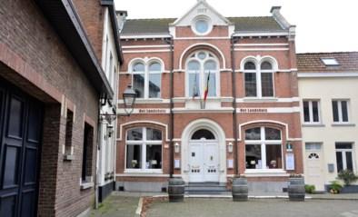 Historische panden in Lillo in etalage: oude gemeentehuis en commandeurswoning te koop