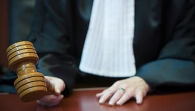 Straf verdubbeld voor Hasselaar die agent ogen probeert uit te steken