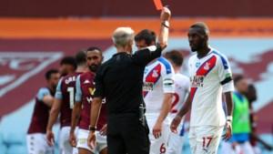 """Christian Benteke is zelfkritisch: """"Ik verknalde mijn seizoen met rode kaart"""""""