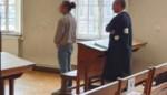"""Dealende cipier krijgt straf met uitstel: """"Een cipier die in de cel moet? Dan krijg je een hele vreemde verhouding"""""""