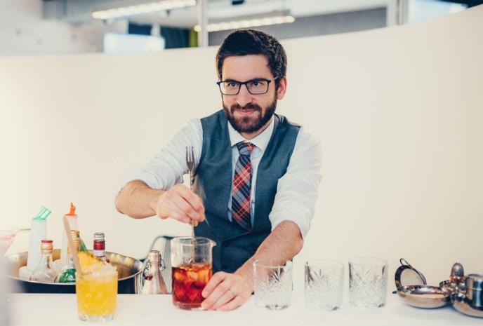 """Nieuwe cocktailbar opent deuren ondanks coronacrisis: """"Gasten moeten zich ook nu verwend voelen"""""""