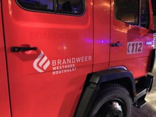 Vrouw (33) gewond bij frontale botsing tussen twee wagens