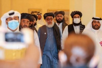 Sprankel hoop na 40 jaar oorlog: Afghaanse regering en taliban starten onderhandelingen