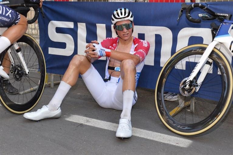 """Supersterke Mathieu van der Poel wint zevende rit in Tirreno: """"Ik kan weer agressief koersen"""""""