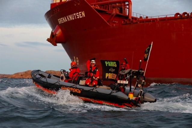 Zes Greenpeace-militanten opgepakt in Zweedse haven