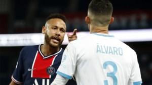 """Neymar beschuldigt Marseille-verdediger van racisme: """"Spijt dat ik hem niet in het gezicht geslagen heb"""""""