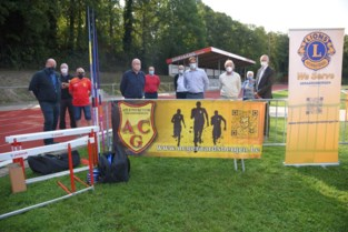Lions Club schenkt sportmateriaal aan ACG-jongeren
