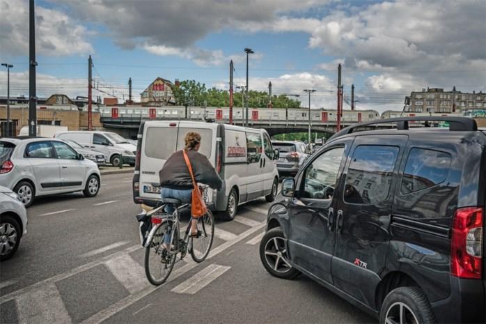"""Strijd tussen fiets en auto in Brussel wordt grimmig: """"Een goede fietser is een dode fietser"""""""