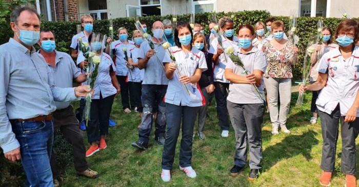 Huize Roborst zes maanden coronavrij: dat verdient een bloemetje