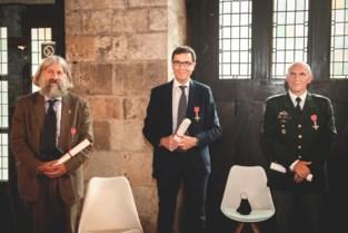 """Christophe, Erwin en Peter krijgen voor hun """"uitzonderlijk prestaties"""" prestigieuze medailles van Britse Queen"""