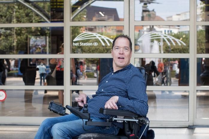 """Eén jaar na open brief van rolstoelgebruiker: """"Er is niets veranderd bij de NMBS, ik voel me nog steeds een reiziger derde klasse"""""""