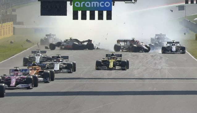 Twaalf F1-piloten krijgen waarschuwing na crash bij herstart F1-race