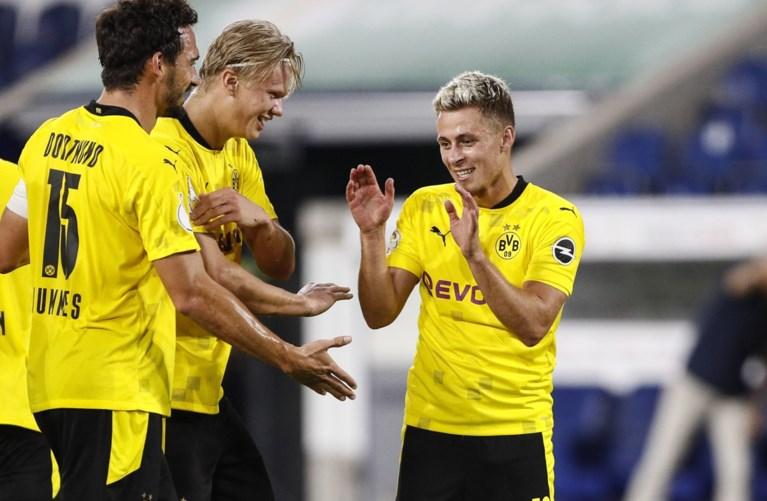 Thorgan Hazard scoort in debuutmatch voor Meunier bij Dortmund