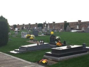 Vrijwilligers gaan begraafplaats(en) opruimen