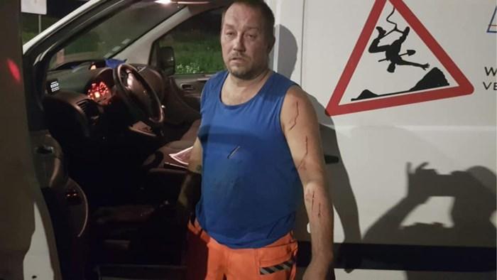 """Arbeider Yves (45) plots omsingeld door vijf hongerige mannen: """"Toen die ene met een mes kwam, vreesde ik het ergste"""""""