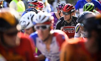"""Gilbert en Philipsen vinden rennersstaking in Ronde van Luxemburg terecht: """"Koersen we vol door, dan vallen er zware slachtoffers"""""""