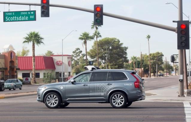 Bestuurder van zelfrijdende auto die video bekeek achter stuur aangeklaagd voor dodelijk ongeval