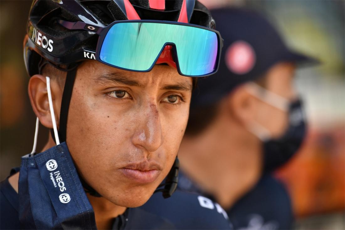 """Titelverdediger Egan Bernal stapt uit de Tour de France: """"De juiste beslissing in de huidige omstandigheden"""""""