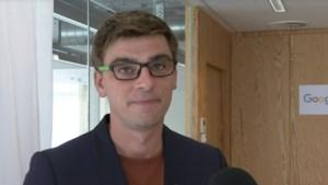 """'De Ideale Wereld'-woordvoerder van Google over naaktfoto's Stan Van Samang: """"Hij zou óns beter dwangsom betalen"""""""