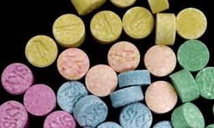 """Vrouw (19) betrapt met XTC, LSD en ketamine op festival in Eeklo: """"Ik wilde gewoon wat experimenteren"""""""