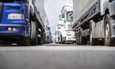 22 truckers negeren tonnageverbod<BR />