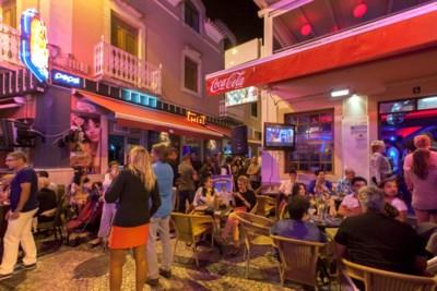 """Feestende jongeren brengen corona mee uit Portugese Albufeira, maar """"contactonderzoek draait in de soep"""""""
