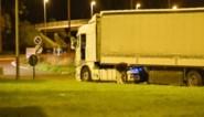 Vijftiental migranten ontdekt in vrachtwagen in Antoing