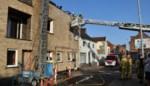 Woning tijdelijk onbewoonbaar na brand bij dakwerken