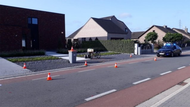 Nederlandse fietser in levensgevaar na aanrijding in Rotem
