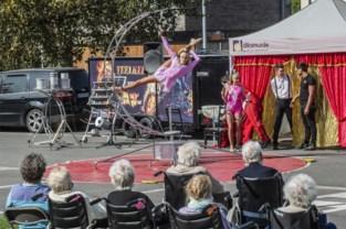 Bewoners Ter Berken en De Waterdam genieten van circus in openlucht